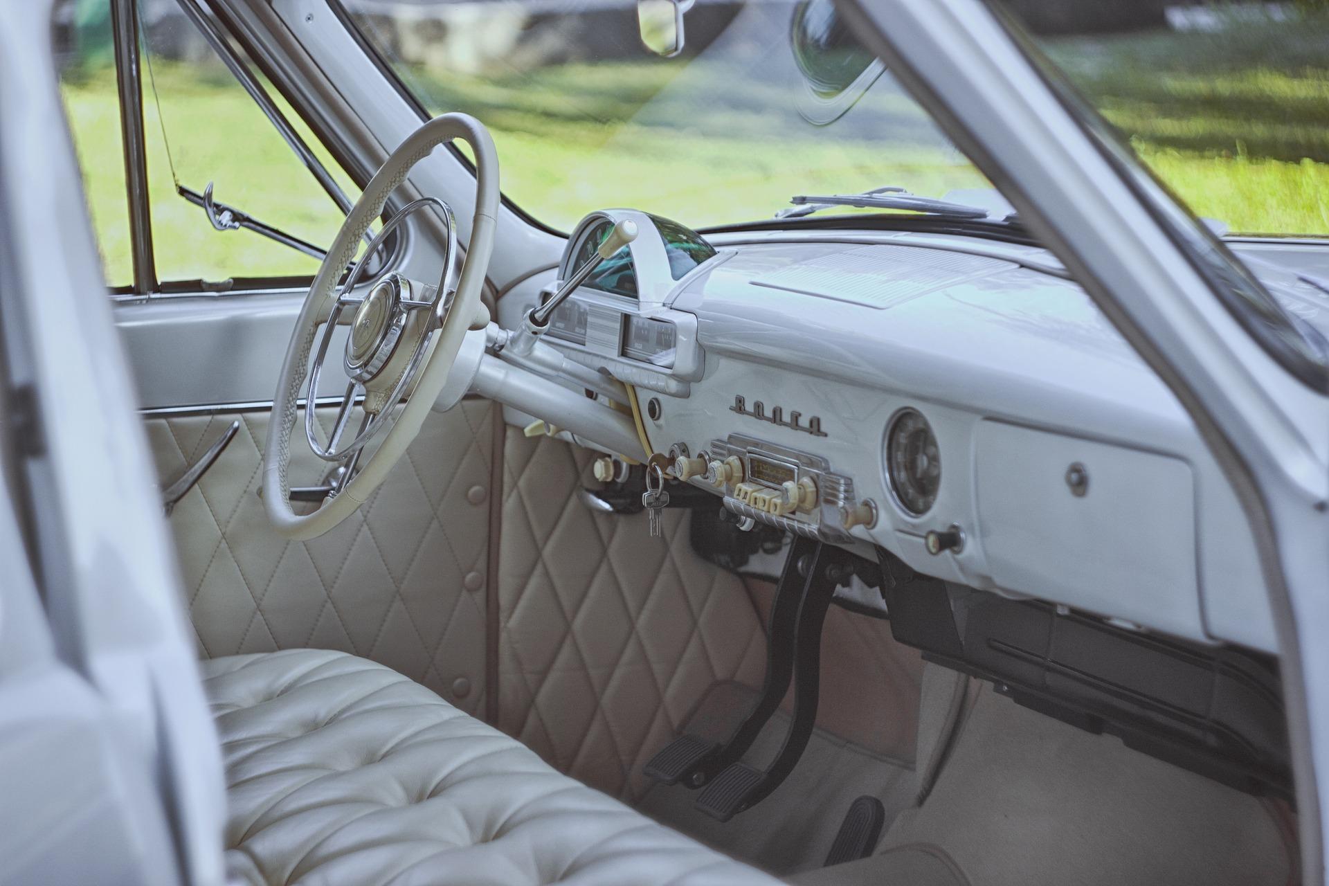ricondizionamento interni auto in pelle